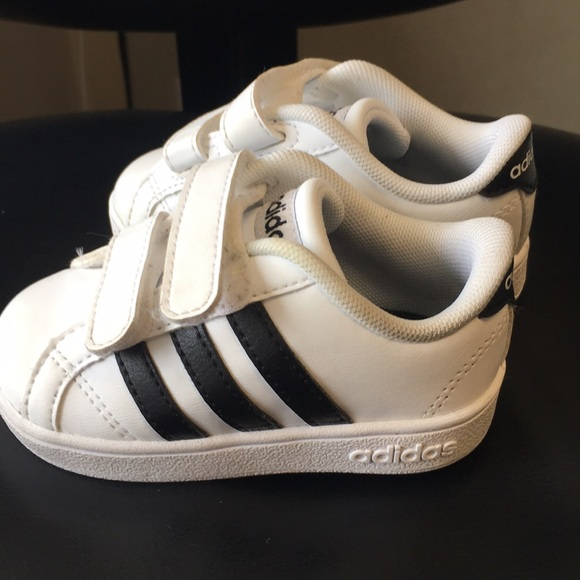 adidas Other - adidas Kids  Baseline CMF Inf Sneaker size 5 fcc918677